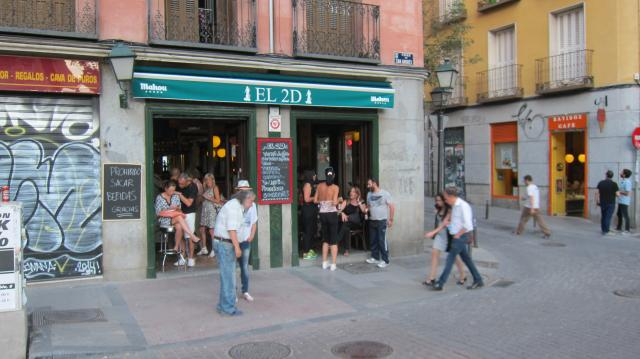 View of El 2D from Plaza Dos de Mayo, Calle Velarde, 24, Madrid