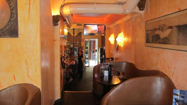 Inside Cafe del Soul, Calle de Barcelona, 3, Madrid