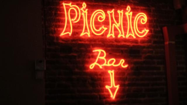 Neon sign inn the Picnic bar, Calle Minas, 1, Madrid