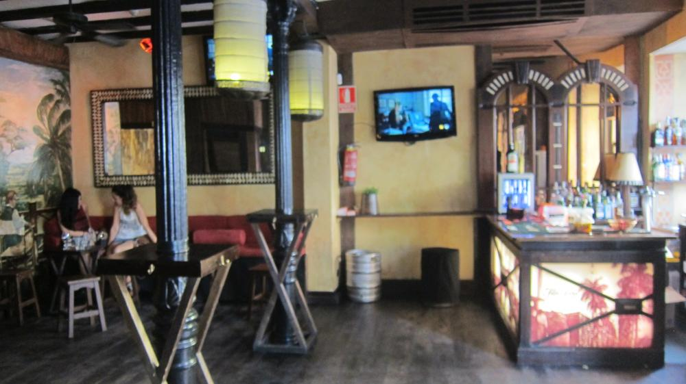 Inside bar Vaova in La Latina, Calle del Humilladero, 6, Madrid