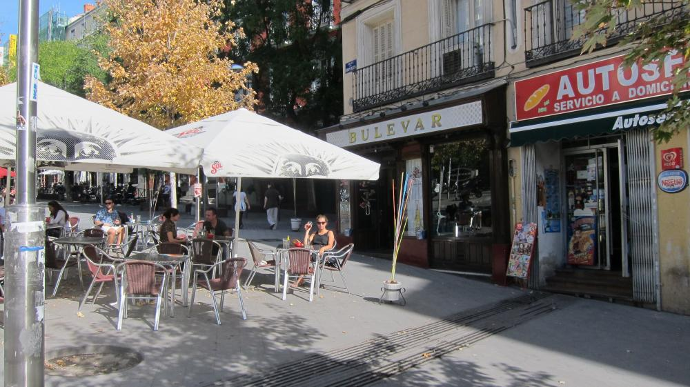The terrace Bulevar bar in Calle de Santa Teresa, 2,Madrid