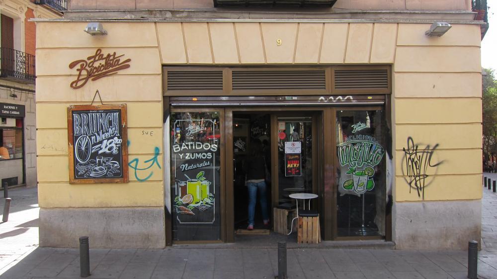 La bicicleta café cool bar en Malasaña, Plaza San Ildefonso, 9, Madrd