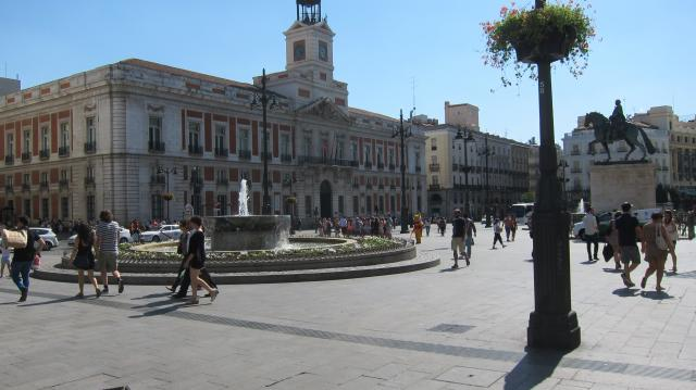 A sunny day in Plaza del Sol, Madrid