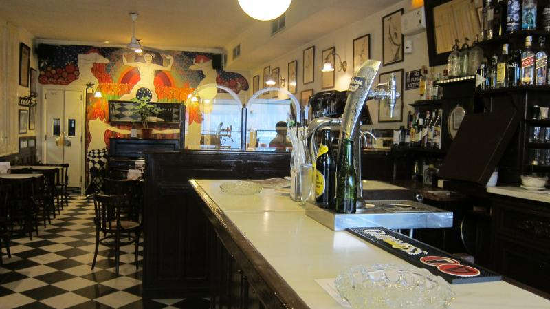 The bar at Café Isadora, Malasaña, Calle del Divino Pastor, 14, Madrid