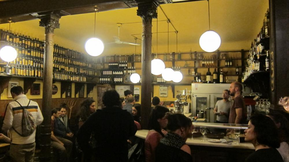 The bar at bar Vinícola Mentridana in  Calle San Eugenio, 9, Madrid